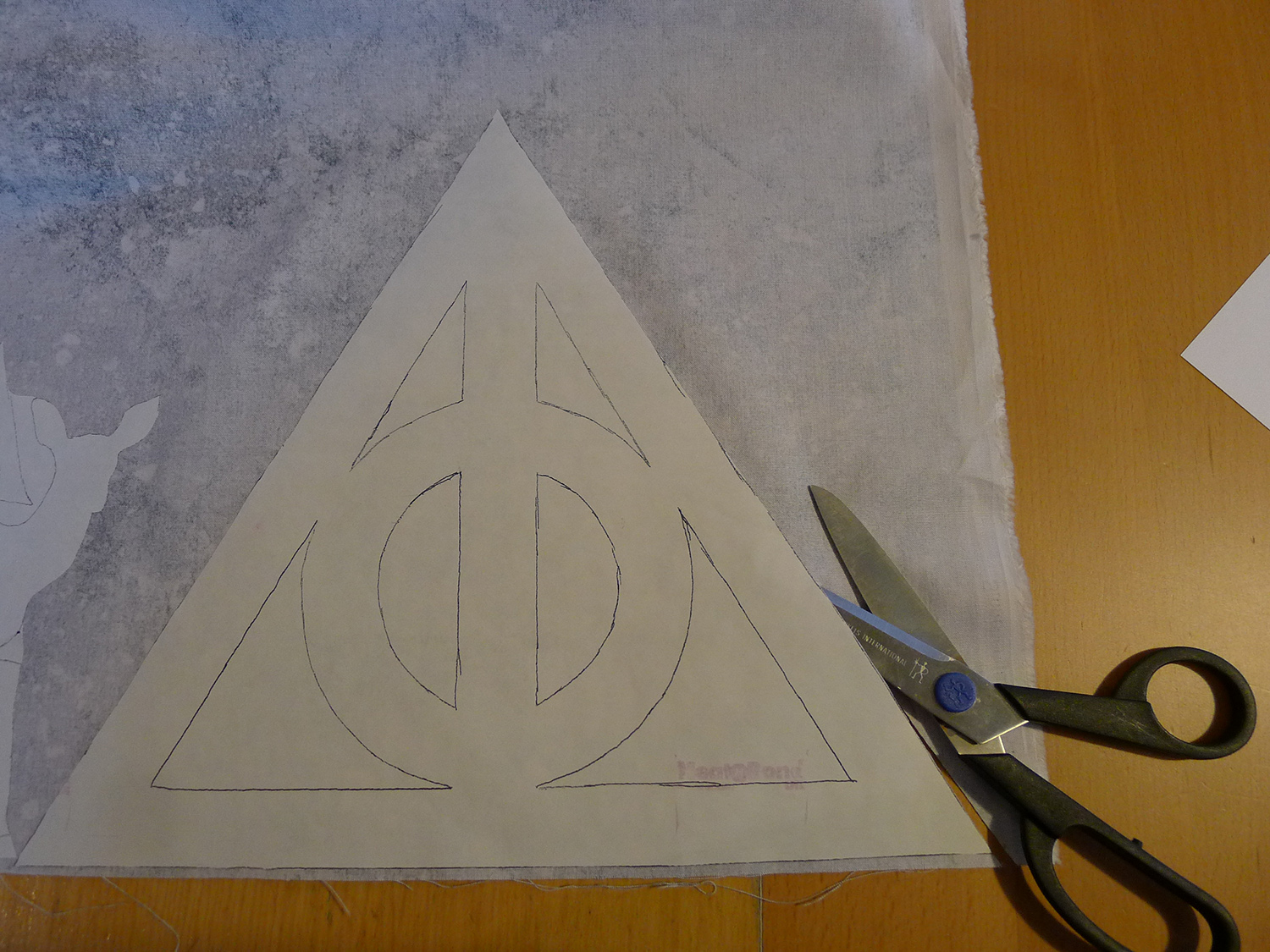 Cool Wallpaper Harry Potter Triangle - 006-Harry-Potter-Deathly-Hallows-Pillow  Pic_825176.jpg