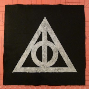 034 Harry Potter Deathly Hallows Pillow