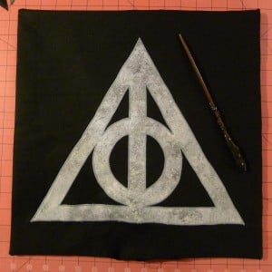 051 Harry Potter Deathly Hallows Pillow