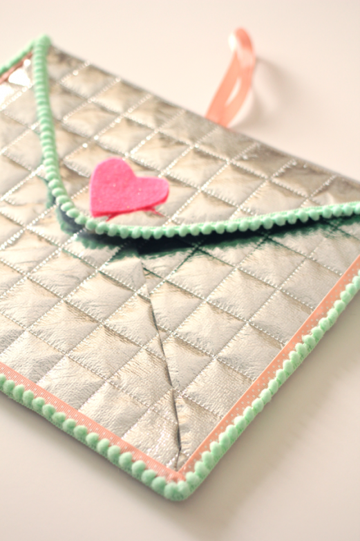 Valentine Aluminor Envelope