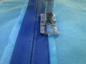 013-Tape-Basted-Zipper-Pill
