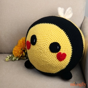 Benevolent Bumble Bee, free crochet pattern by Moogly stuffed with Fairfield Poly-Fil